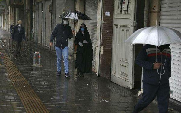 Το Ιράν επιβάλλει αυστηρότερα μέτρα για τον κορονοϊό