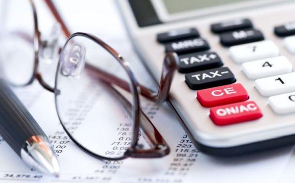 Περισσότεροι φόροι το 2021 για νοικοκυριά & επιχειρήσεις