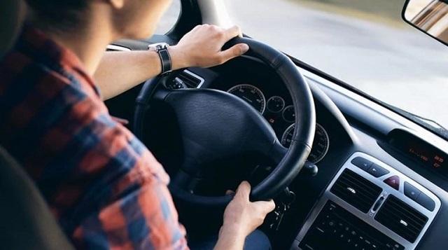 Παράταση ισχύος σε άδειες οδήγησης και άδειες εκπαιδευτή