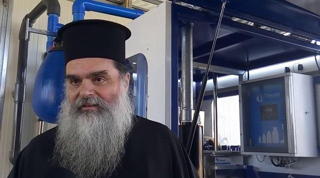Ιερέας στο Αγρίνιο: Κοινώνησα 700 πιστούς τα Χριστούγεννα, δεν μεταδίδεται ο κορονοϊός