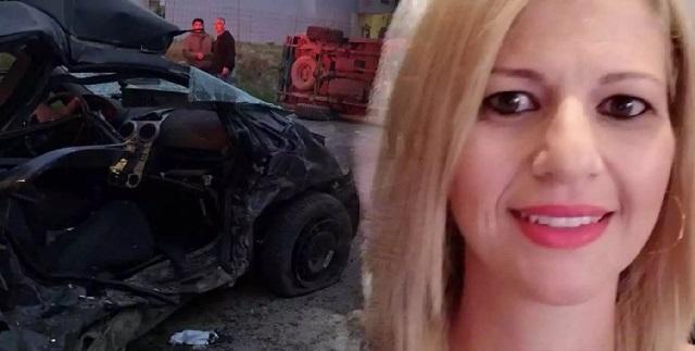 Τροχαίο στην Κρήτη: «Ράγισαν» και οι πέτρες στην κηδεία της 37χρονης και της 3χρονης κόρης της