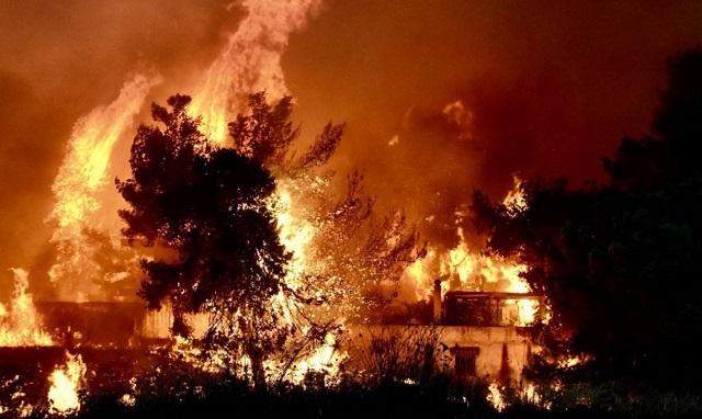 Φωτιά στο Μάτι: Καταπέλτης ο ανακριτής -Ζητά κακουργηματική δίωξη για 10 άτομα