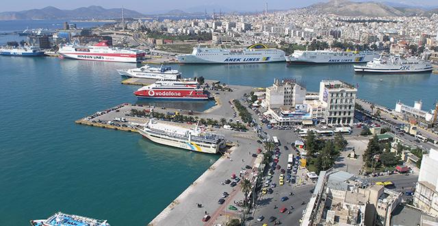 Πτώμα άνδρα βρέθηκε στο λιμάνι του Πειραιά