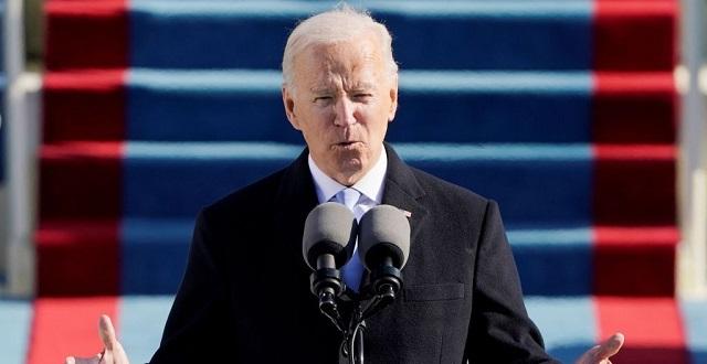 «Γέφυρες» έριξε ο Μπάιντεν στην πρώτη ομιλία ως πρόεδρος