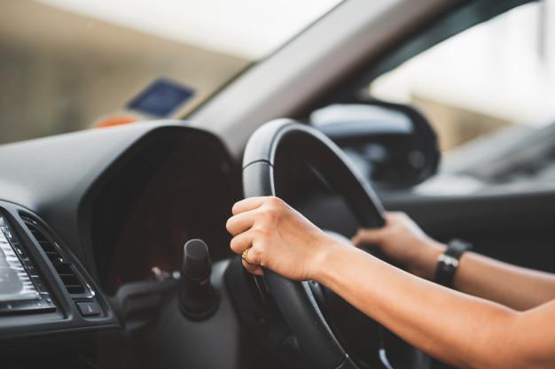 Δίπλωμα οδήγησης: 10+1 αλλαγές στην εκπαίδευση και τις εξετάσεις - Μαθήματα από τα 17
