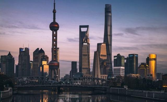 Σαγκάη: Πενταόροφο κτίριο… περπάτησε για να μην γκρεμιστεί