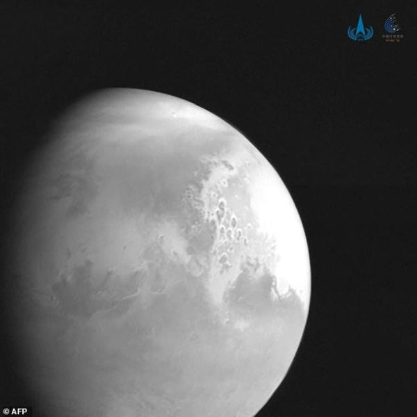 Tianwen 1: Οι πρώτες εικόνες που κατέγραψε από τον Άρη το κινεζικό διαστημόπλοιο