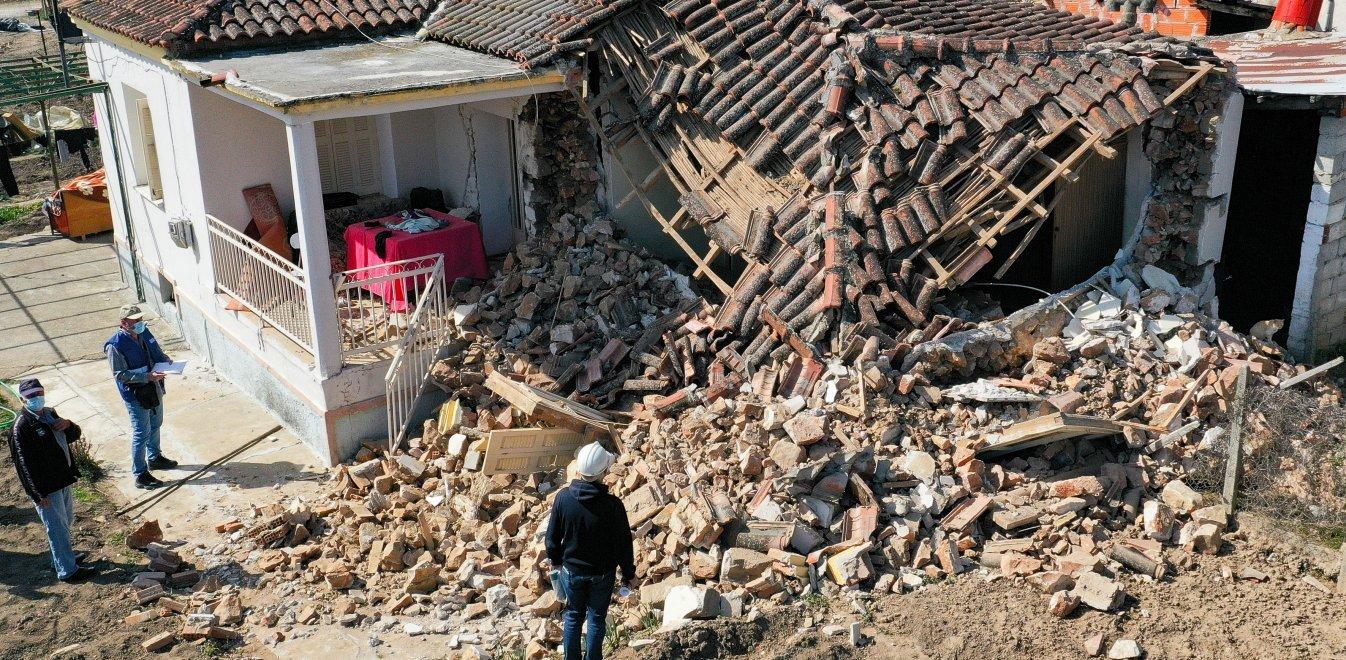 Στο πλευρό των σεισμόπληκτων η οικογένεια της Νίκης Βόλου