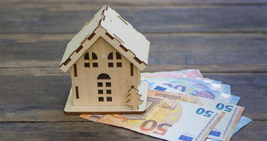 Σταϊκούρας: Μέτρα στήριξης 14 δισ. - Διπλή αποζημίωση σε ιδιοκτήτες ακινήτων