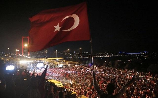 Ραγδαίες εξελίξεις στην Τουρκία: Ο Ερντογάν συλλαμβάνει τους ναυάρχους