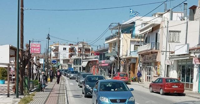 Μποτιλιάρισμα σημειώθηκε χθες στην Αγριά με το άνοιγμα των διαδημοτικών μετακινήσεων