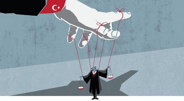 Τουρκία : Το Ανώτατο Δικαστήριο προδιέγραψε… την τύχη των συλληφθέντων «πραξικοπηματιών»
