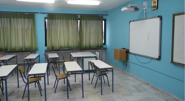 Κεραμέως: Δεν ανοίγουν πριν το Πάσχα Γυμνάσια και Δημοτικά