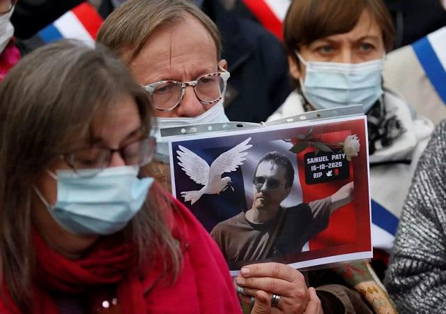 Φωτογραφία του καθηγητή που αποκεφάλισαν στο Παρίσι, σε σπίτι ύποπτης για ισλαμιστική επίθεση