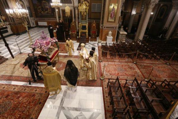 Η πρόταση της Εκκλησίας για τη Μεγάλη Εβδομάδα – Ζητά αύξηση των πιστών στους ναούς