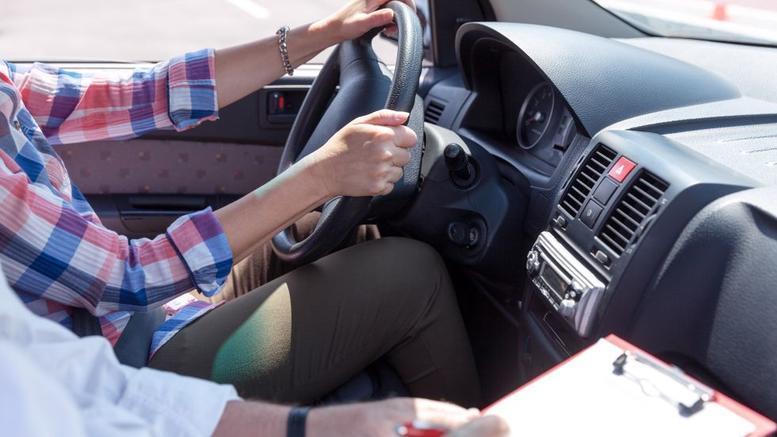 Σχολές Οδηγών: Πώς θα γίνονται από σήμερα τα μαθήματα και οι εξετάσεις οδήγησης