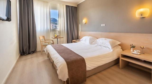 Σε τεντωμένο σχοινί οι ξενοδόχοι στη Μαγνησία, ορατός ο κίνδυνος λουκέτων