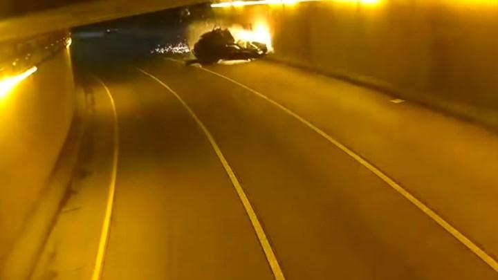 Σοκάρει το βίντεο από τροχαίο σε τούνελ στη Μινεσότα - Το αυτοκίνητο εξερράγη