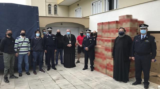 Αστυνομικοί πρόσφεραν είδη για την ενίσχυση των συσσιτίων της Μητρόπολης Λάρισας