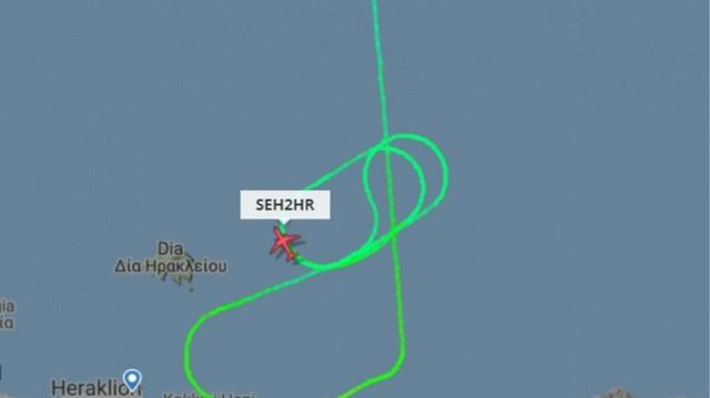 Περιπετειώδης πτήση με κύκλους πάνω από το αεροδρόμιο [βίντεο]