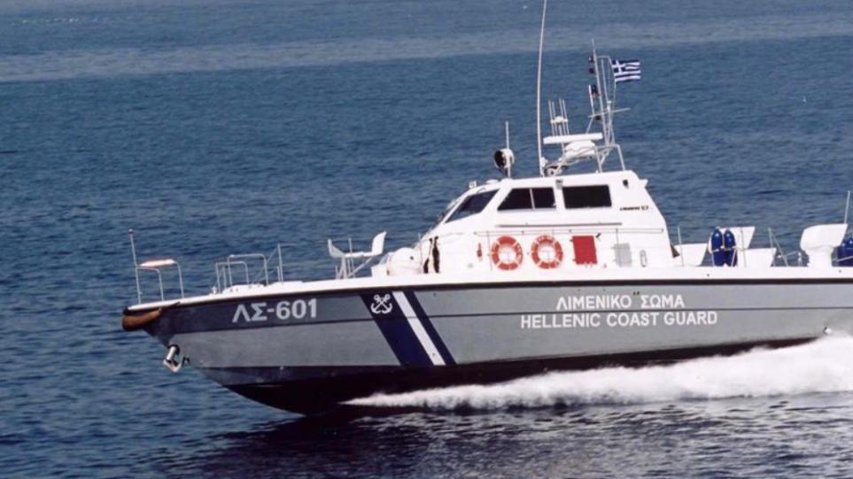Καλαμάτα: Εντοπίστηκε ακυβέρνητο σκάφος με 170 αλλοδαπούς