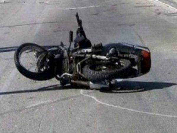 Σύγκρουση ΙΧ με μηχανάκι  στην Περραιβού με έναν τραυματία