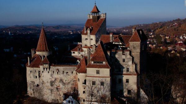 Ρουμανία: Το κάστρο του κόμη Δράκουλα έγινε εμβολιαστικό κέντρο