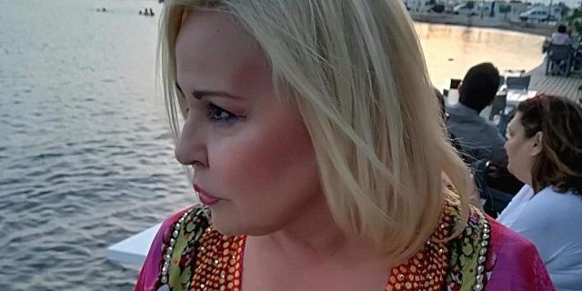 """Μπέσσυ Αργυράκη: Κάηκε το εξοχικό της από τη φωτιά στην Κορινθία -""""Θρηνήσαμε τα όνειρα πολλών χρόνων"""""""