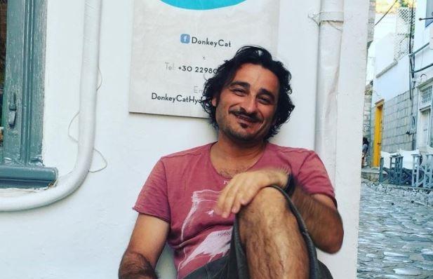 Β. Χαραλαμπόπουλος: Συγκινεί ξανά για το κουτάβι που έσωσε από τα σκουπίδια στο Πήλιο