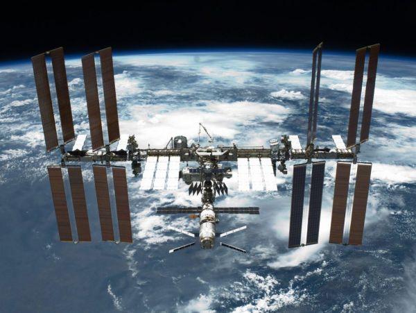 Ρωσία προς ΗΠΑ: Αποσύρετε τις κυρώσεις για να μην αποσυρθούμε από τον Διεθνή Διαστημικό Σταθμό