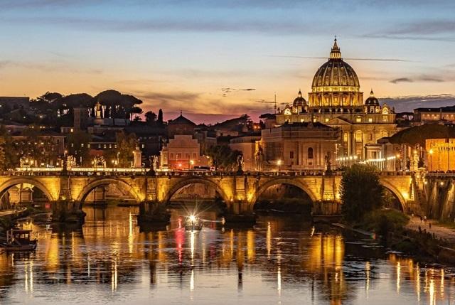 Ιταλία: Πέντε περιφέρειες σε «λευκή ζώνη» από τη Δευτέρα