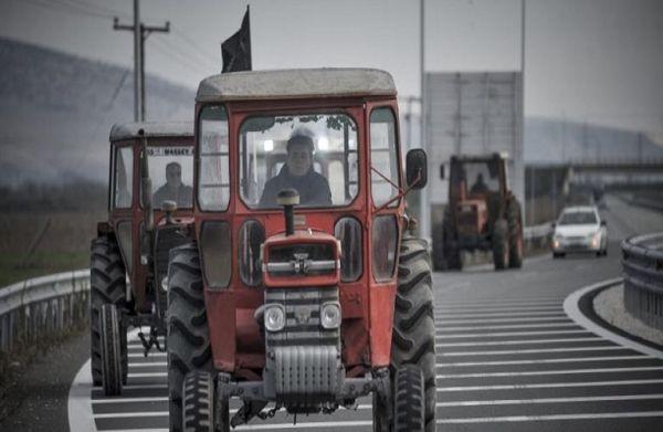 Αγροτικά συλλαλητήρια με τρακτέρ σε Λάρισα και Νάουσα