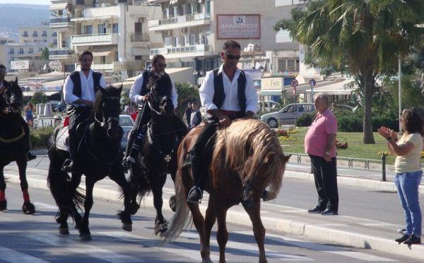 Παρέλαση ιππέων στον Βόλο