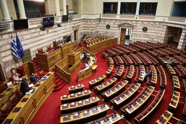Βουλή: «Μάχη» πολιτικών αρχηγών για το εργασιακό νομοσχέδιο
