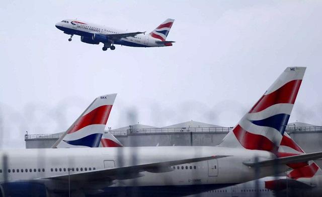 Πανικός στο αεροδρόμιο του Χίθροου: «Κατέρρευσε» αεροπλάνο της British Airways