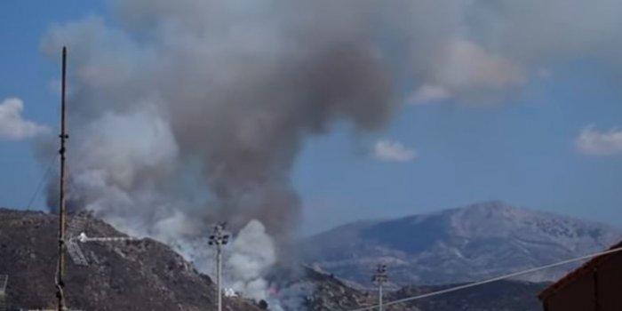 Νάξος: Μεγάλη φωτιά κοντά σε οικισμό – Αποπνικτική η ατμόσφαιρα σε πολλά σημεία του νησιού