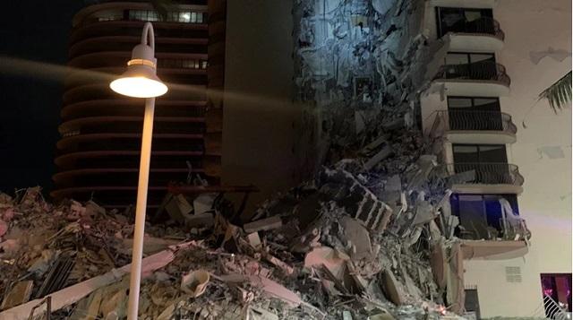 Κατέρρευσε 12ώροφο κτίριο στο Μαϊάμι -Φόβοι για νεκρούς [εικόνες]