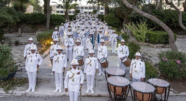«Απόβαση» της μπάντας του Πολεμικού Ναυτικού στον Βόλο