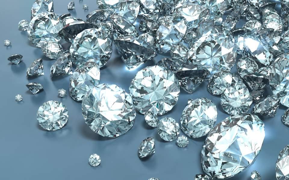 Αντικατέστησε διαμάντια αξίας 4,2 εκατ. λιρών με βότσαλα