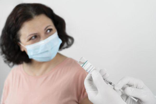 Κορονοϊός – ΠΟΥ: Οι καθυστερήσεις στους εμβολιασμούς κοστίζουν ζωές