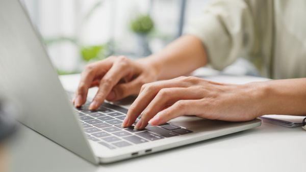 Διαδίκτυο: Μπλακ άουτ σε δημοφιλείς ιστοσελίδες – Πού οφείλεται το πρόβλημα