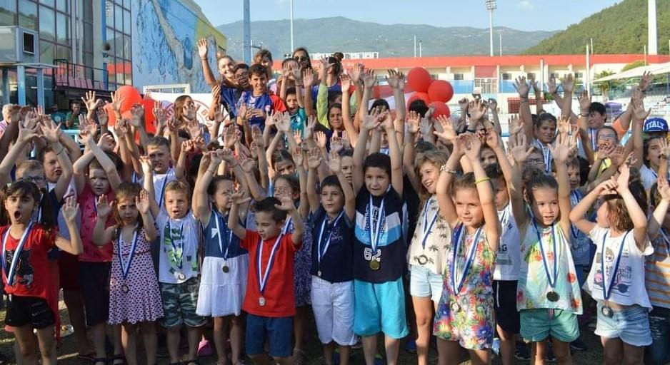 Συγχαίρει τους κολυμβητές του ο Ολυμπιακός Β.