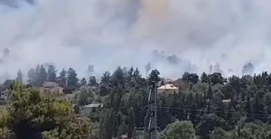 Ολονύχτια μάχη με τις φλόγες στην Αχαΐα: Εκκενώνονται ακόμη εννέα οικισμοί