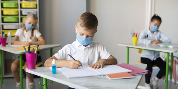 «Καμπανάκι» Παπαευαγγέλου – Εκρηκτικός συνδυασμός ανεμβολίαστα παιδιά και ανεμβολίαστοι εκπαιδευτικοί