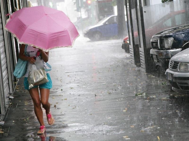 Υποχωρεί ο καύσωνας την Παρασκευή – Έρχονται καταιγίδες