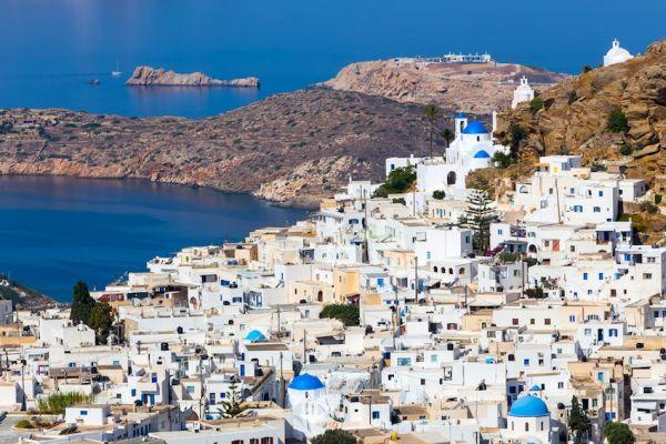 Αυτό είναι το νησί με τις 365 εκκλησίες