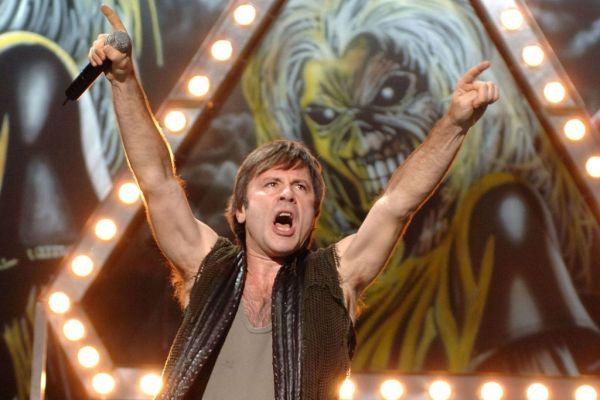 Θετικός στον κοροναϊό ο Ντίκινσον των Iron Maiden – Ακυρώθηκε περιοδεία