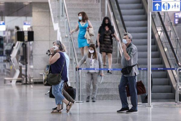 Πτήσεις: Άνοδος στη διακίνηση επιβατών – Πληθαίνουν οι αεροπορικές αφίξεις από το εξωτερικό