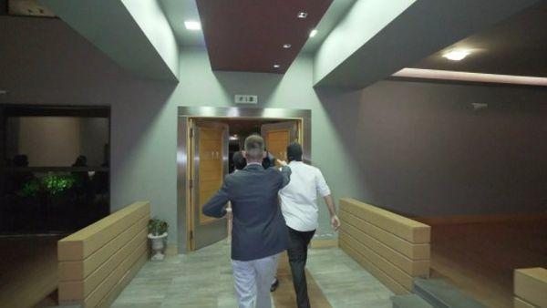 Τρίκαλα: Κουκουλοφόροι πήραν τον γαμπρό… σηκωτό