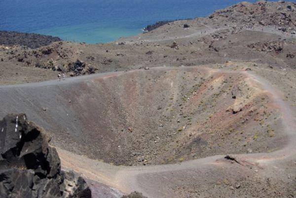 Σαντορίνη: Παγκόσμιο ενδιαφέρον για την «Ατλαντίδα» – Επιστήμονες από 22 χώρες ξεκινούν γεωτρήσεις